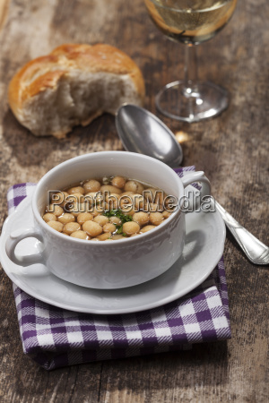 fresh broth with baking peas