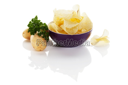 chips with potatoes and parsley
