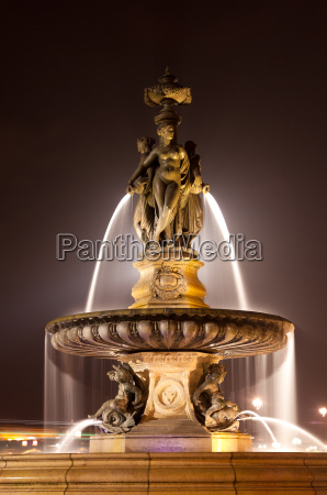 fountain of the three graces bourse