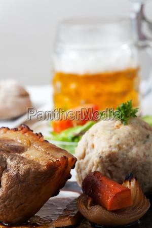 bavarian roast pork with bread dumplings