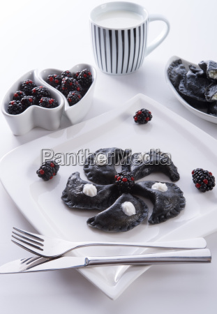 sweeten pierogi with blackberries b
