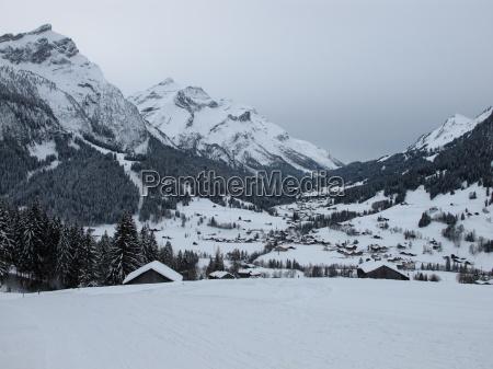 idyllic, village, gsteig, bei, gstaad, in - 8810106