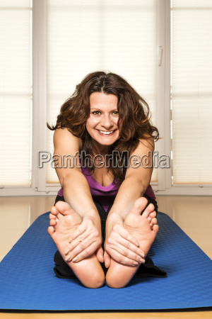 fitness woman stretch back