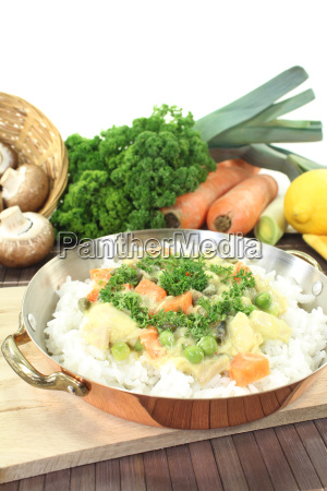 chicken fricassee with rice and peas
