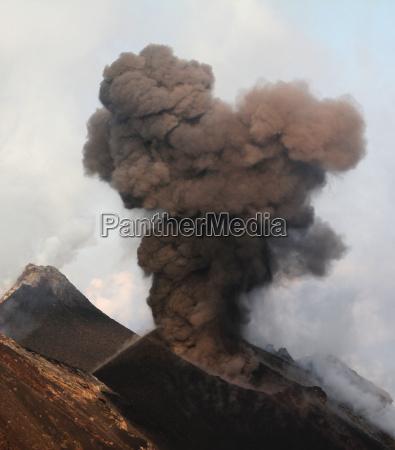 strombolian eruption at daytime