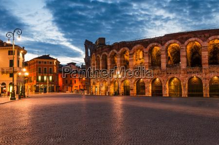 piazza bra and arena verona amphitheatre