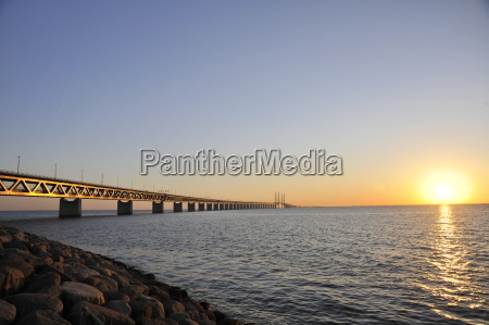 oeresund sunset bridge