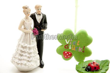 newlyweds for wedding cake