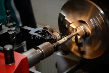 metalworking on lathe