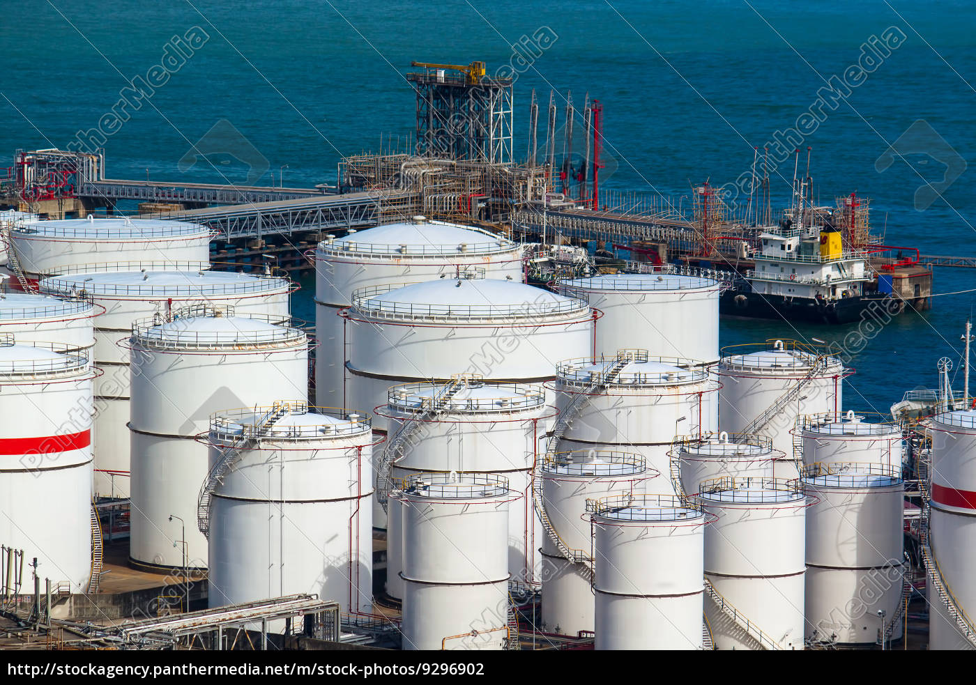 oil, tanks, at, day - 9296902