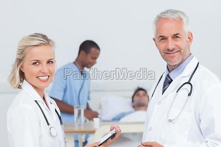 laege medic snak talt tale taler