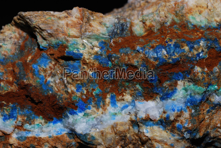 minerals with azurite detail