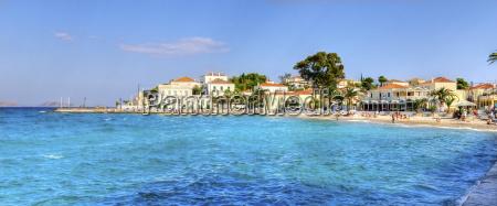 hermosa isla griega spetses