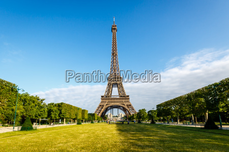eiffel tower and champ de