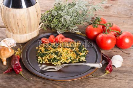 spinach noodle crowd au gratin