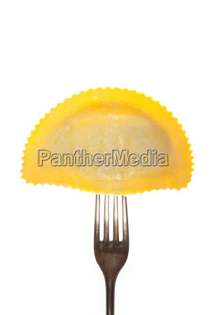 tortelloni on a fork