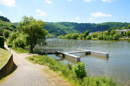 cycle path in zell an der