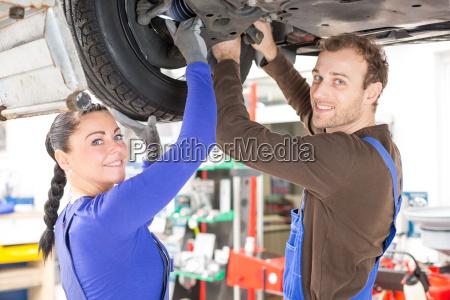 car repair mechatronics repair vehicle on