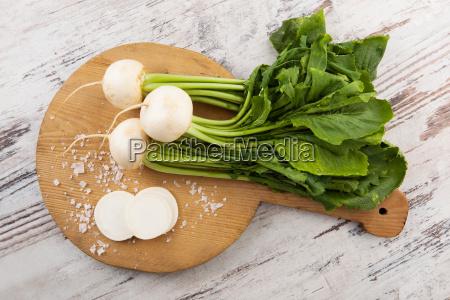 white round radish country style