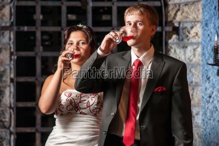 bridal couple at the wine tasting