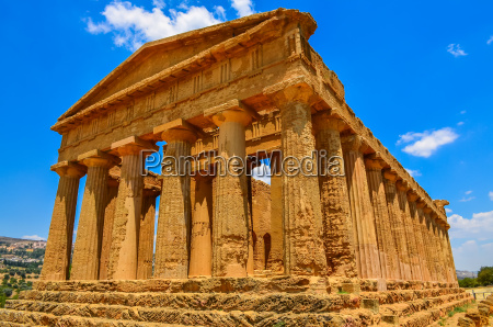 ruins of ancient temple in agrigento