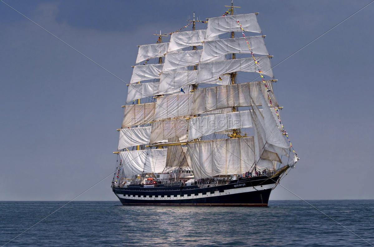sailboat, historic, tall, ship, at, sea - 9744446