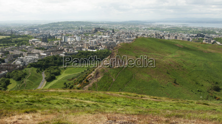 view from arthurs seat edimburgh