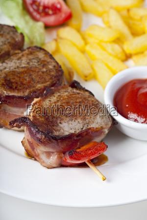 grilled pork fillet with fries