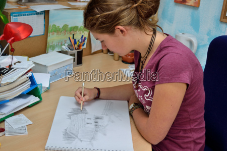 talented youngsters drawing