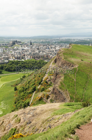 view from arthurs seat edinburgh