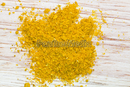 top view of curry powder pinch