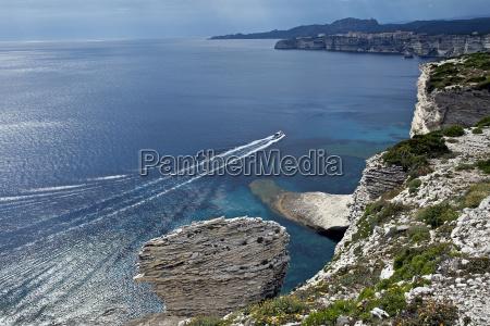 the white cliffs of bonifacio in