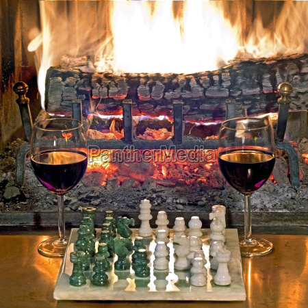 play chess drinking red wine in