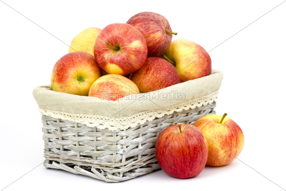 fresh, apples, in, a, basket - 10028144