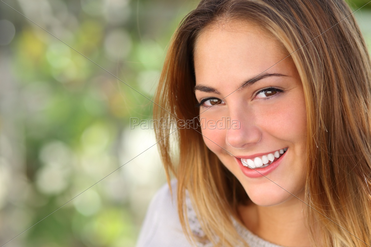 beautiful, woman, with, a, whiten, perfect - 10043622