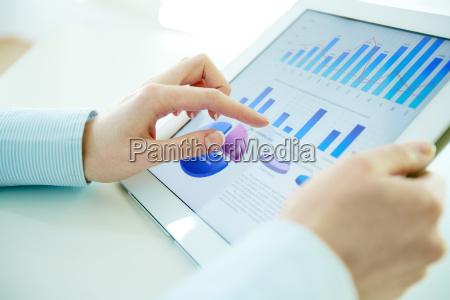 hi-tech, analysis - 10081476