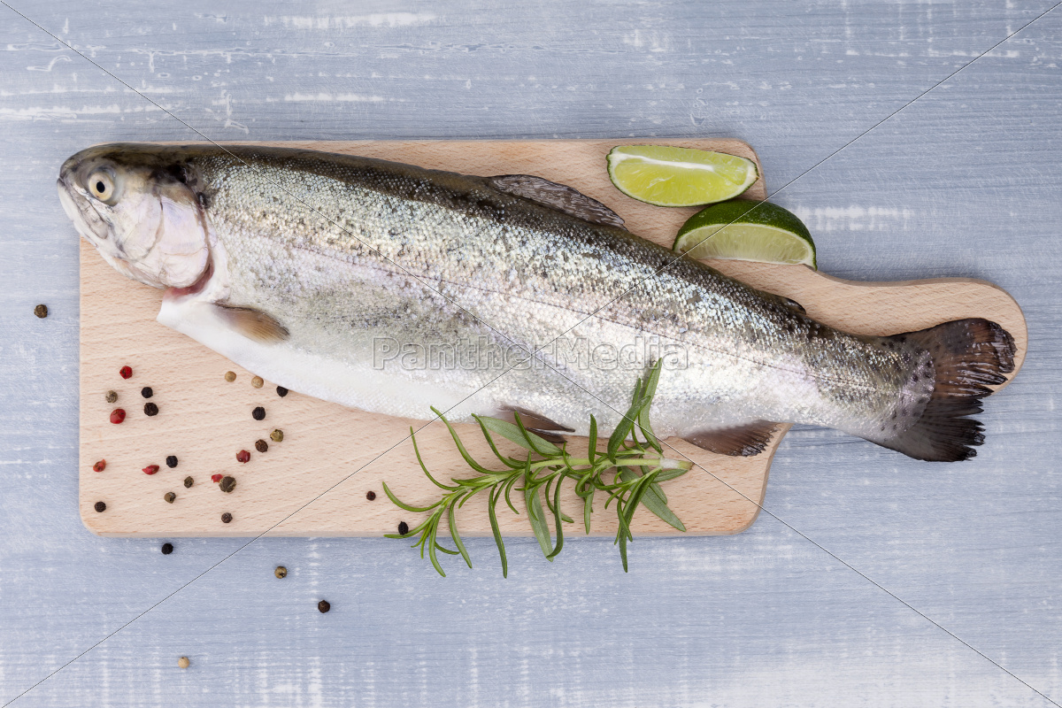 freh, trout, on, kitchen, board. - 10101780