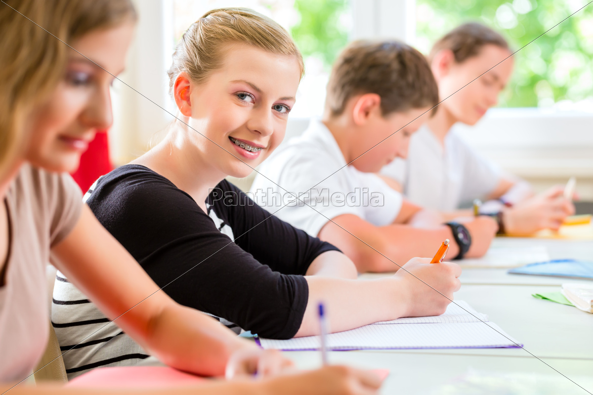 students, write, a, class, test, or - 10102150