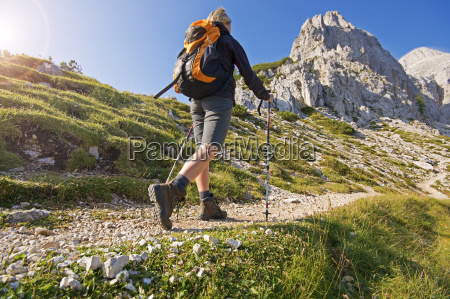 hiking - 10104569