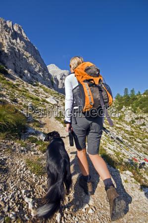 hiking - 10104587