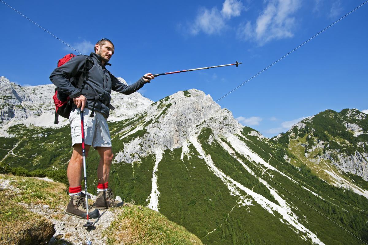 hiking - 10104623