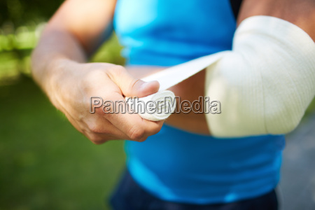 bandaging, arm - 10113287