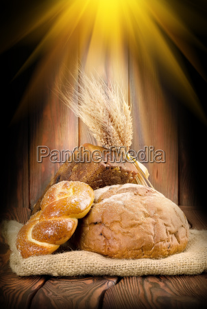 rays and the bread
