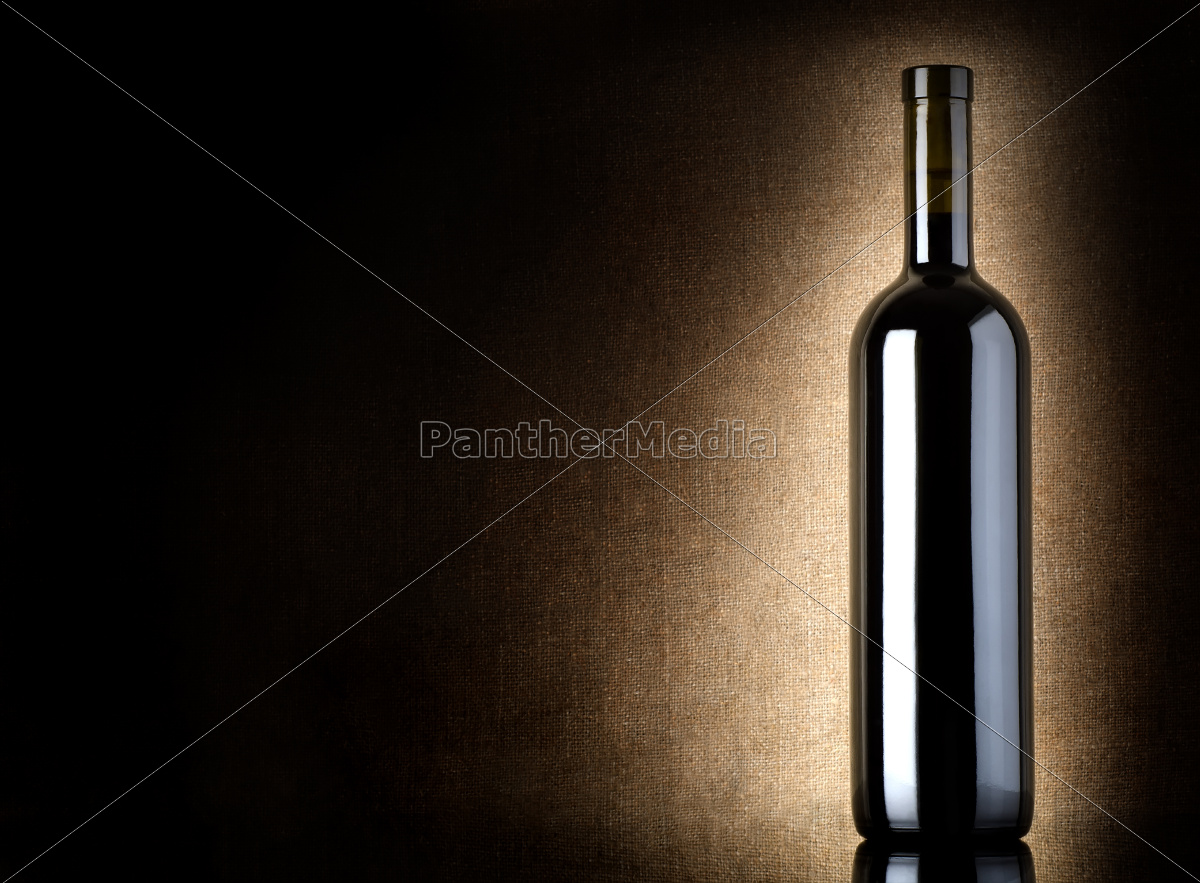 red, wine, bottle, on, a, old - 10123503