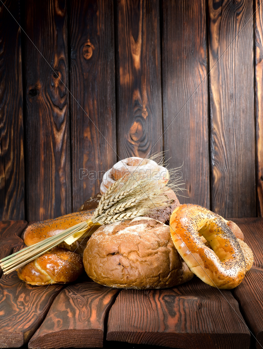 bread, on, a, old, wooden, boards - 10124515