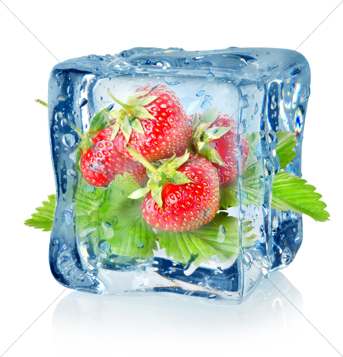 ice, cube, and, strawberry, isolated - 10124671