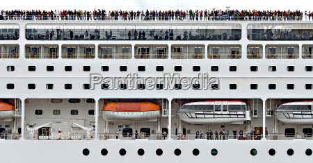 cruise ship msc lirica