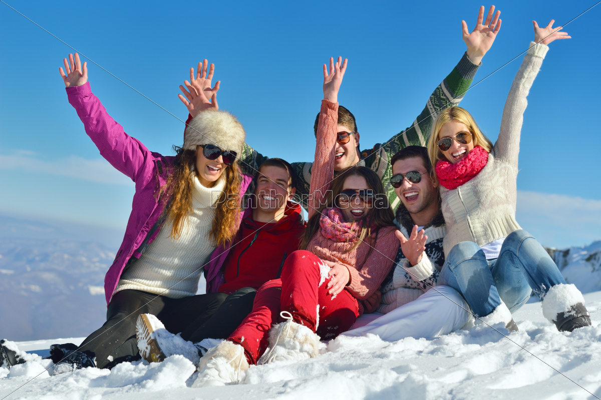 winter, fun, with, young, people, group - 10173245