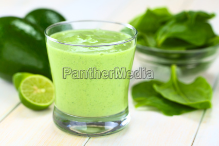 avocado and spinach smoothie