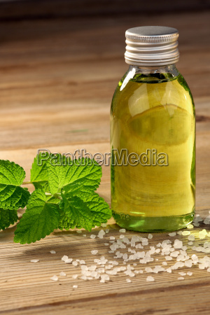 body, oil, with, mint, and, bath - 10217585